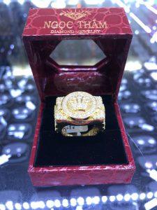 Nhẫn nam vàng 585 ngoại Full kim cương thiên nhiên King