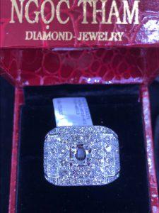 Vỏ nhẫn nam vàng 750 hột tấm kim cương thiên nhiên, hột chủ nhận hột từ 6.3-7.5li