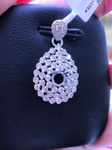 Mặt dây chuyền Full kim cương thiên nhiên, hột chủ nhận từ 4.0-5.0 li-Ms 7m849835