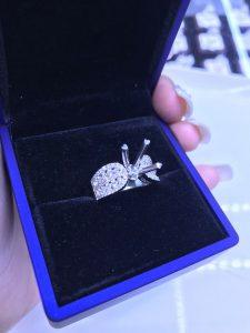 Vỏ nhẫn nữ Full kim cương thiên nhiên vàng 750, Hột chủ nhận từ 5.4-6.5 li -Mã sp  7n800177