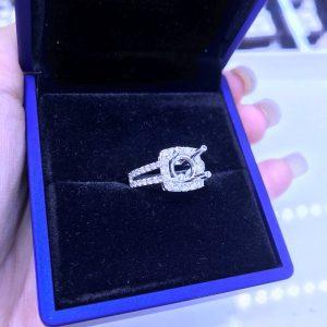 Vỏ nhẫn nữ Full kim cương thiên nhiên vàng 750, hột chủ nhận từ 5.4-6.5 li -Mã sp Ms7n800182